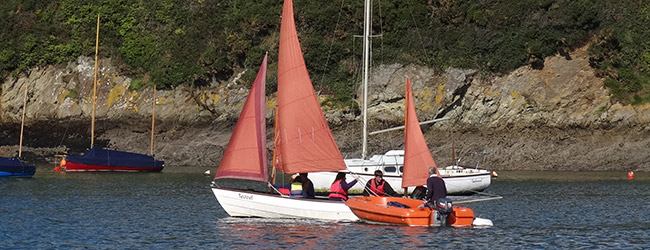 Sailing tuition on the Salcombe estuary